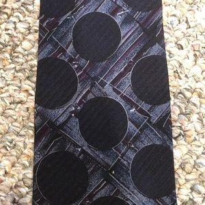 Structure Dotted Silk Tie